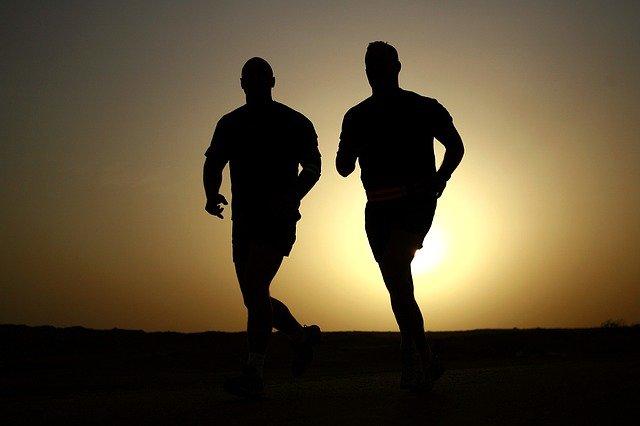 siluety běžců.jpg
