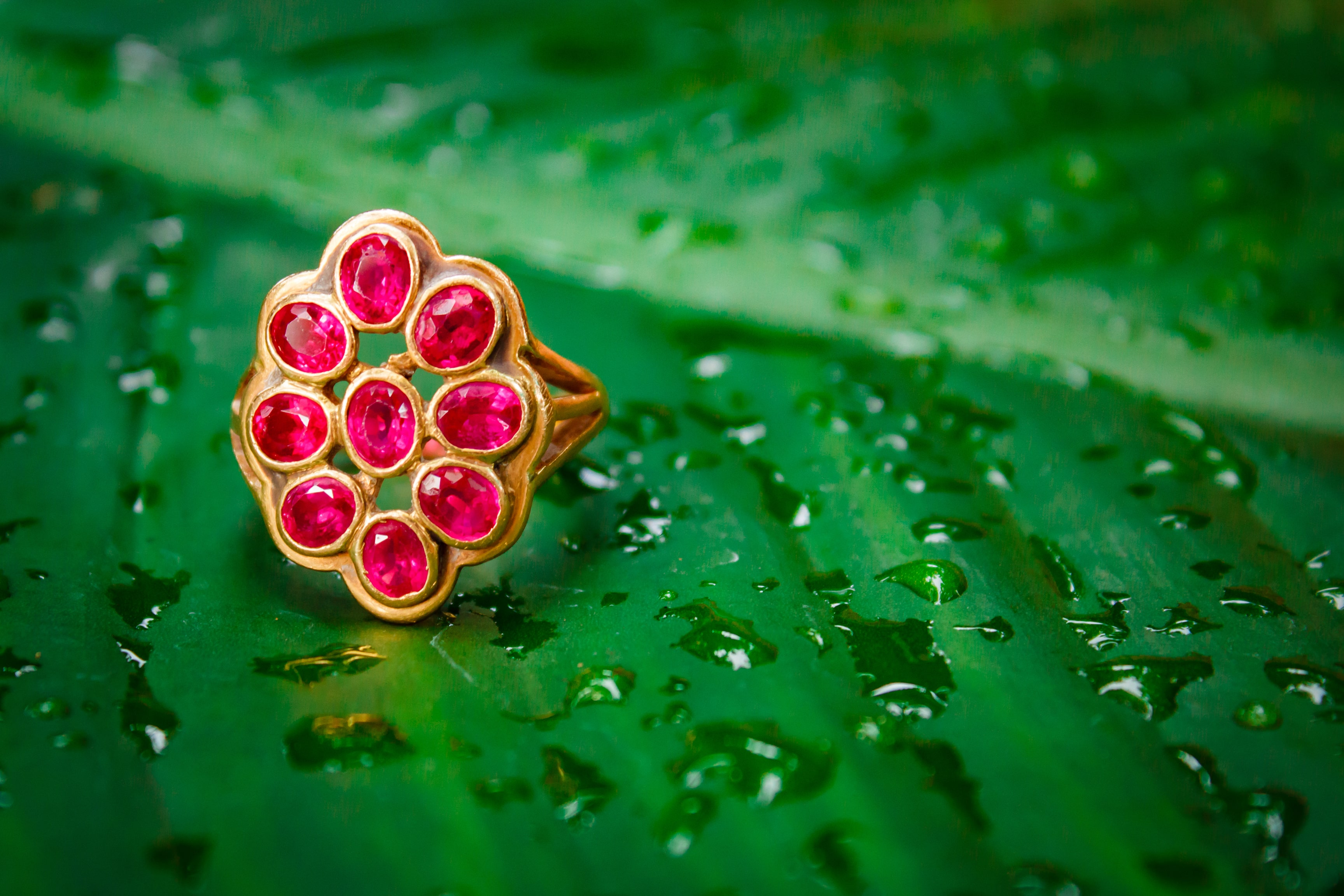 red-sapphire-ring-gold-min